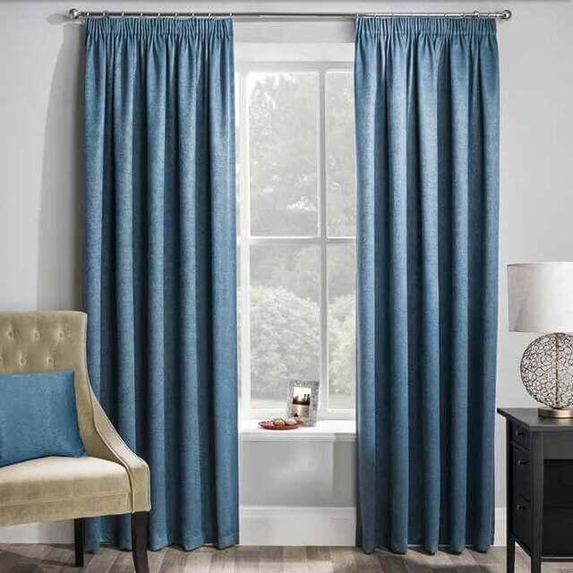 Tấm rèm cửa sẽ bền màu hơn khi được giặt giũ thường xuyên