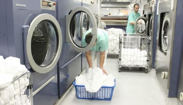 Làm sạch rèm cửa bằng máy giặt